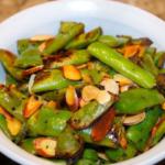 Италиански вкус – зелен боб с бадеми и сусамово олио